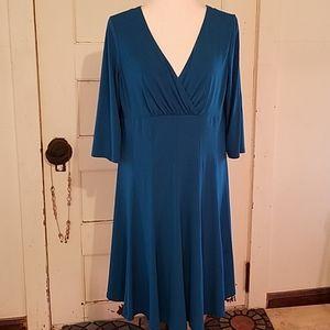 Jessica Howard Midi Dress